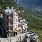 Dream View Resort Manali Honeymoon Package